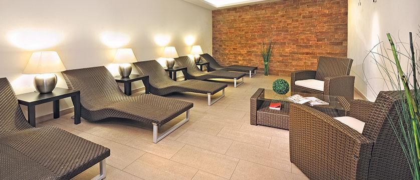 Austria_Zell-am-See_Hotel-Zum-Hirschen_relaxation-room.jpg
